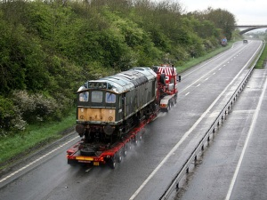 D7541 passes Chudleigh on route to Buckfastleigh - Photo Neil Cannon